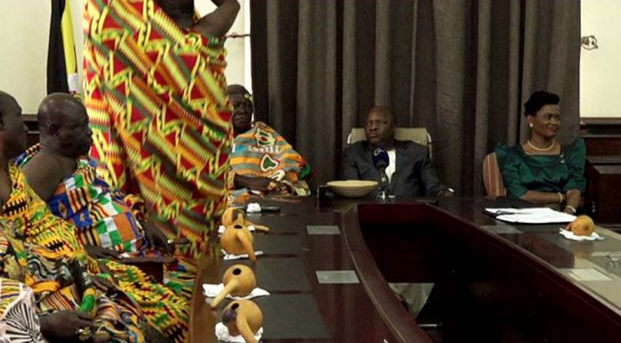 Asantehene the King of Ghana arrives in Uganda for Kabaka of Buganda's 25th Anniversary