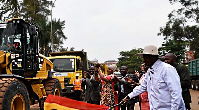Museveni launches the first phase of the Kampala fly-over project that will reduce traffic jam
